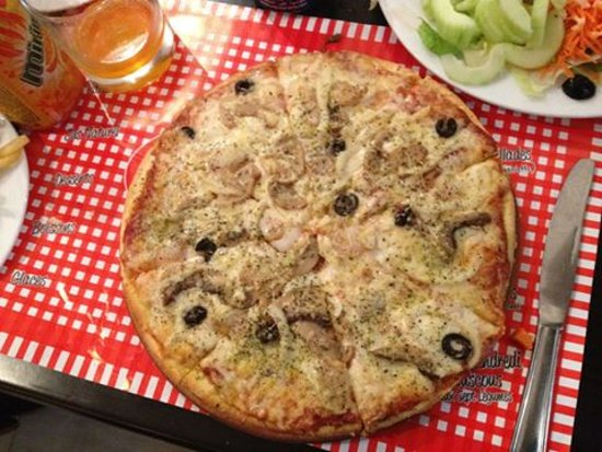 La Maison du Gourmet: pizza