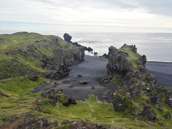 Hellnar, Islandia: arena negra.