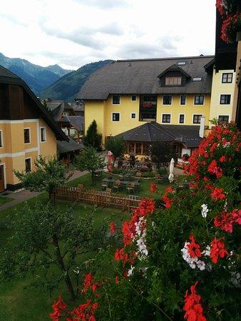 Hapimag Resort St. Michael: Vista sul giardino interno dal balcone del mio appartamento
