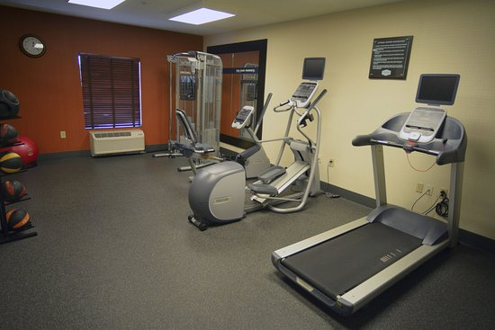 Hampton Inn Warsaw: Fitness Center