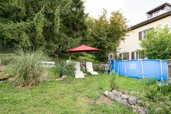 Vuiteboeuf, Suisse : Jardin