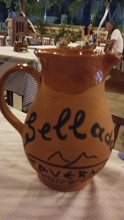 Taverna Sellada: l'ottimo vino di Santorini