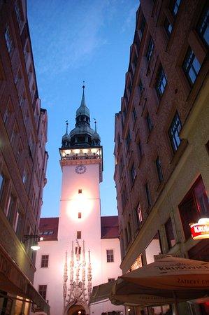 Brno, Czech Republic: Башня вечером