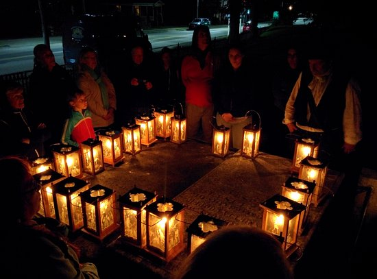 Annapolis Royal Candlelight Graveyard Tour: One of many stops