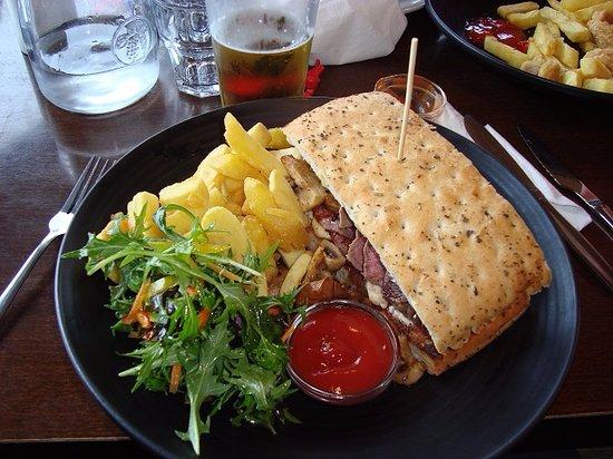 Kaiteriteri, Selandia Baru: Steak sandwich!