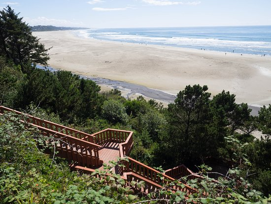 Agate Beach Motel: Private Beach Access Staircase For Guests