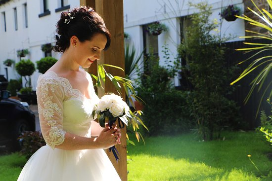 Sparth House Hotel: So many great spots for your wedding photographs