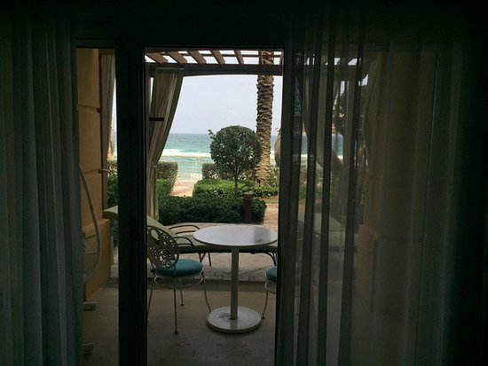 Manalapan, FL: Room 117, North Tower, King oceanfront w/ Lanai