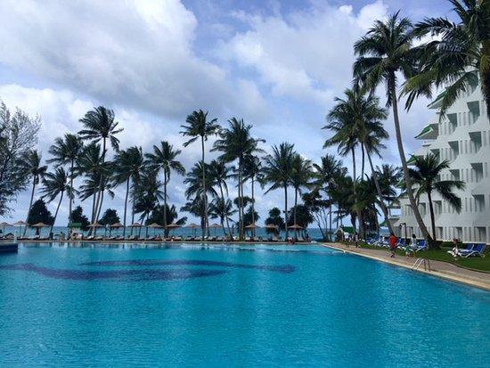 Le Meridien Phuket Beach Resort: Lagoon pool