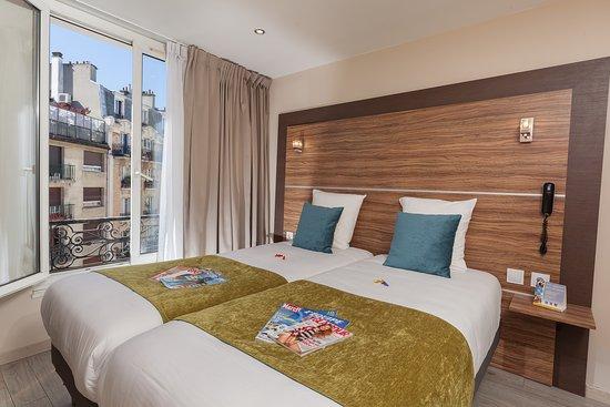 Photo of Comfort Hotel Lamarck Paris