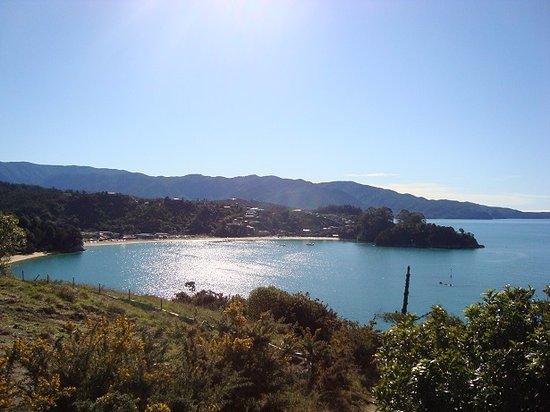 Kaiteriteri Beach - view from cliff path walk