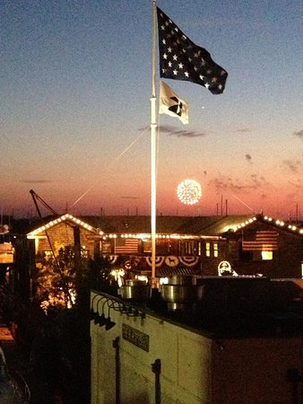 Bannister's Wharf Guest Rooms: 4th of July view