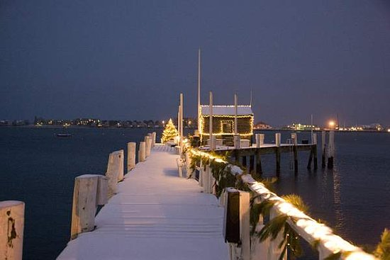 Bannister's Wharf Guest Rooms: Marina in Winter