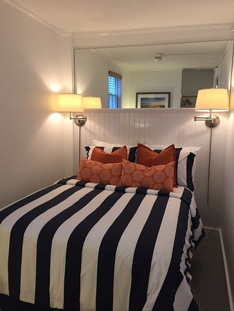 Bannister's Wharf Guest Rooms: S2 Double Room