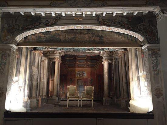 Castello di Meleto: Teatro del 700