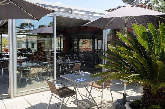 Plan De Cuques, Prancis: terrasse