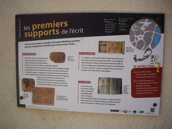 Montmorillon, Francia: Panneau d'information