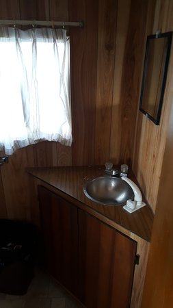 Houseboat Holidays - Private Day Charters : The bathroom sink - the bathroom was roomy enough to do your business,the shower was big enough