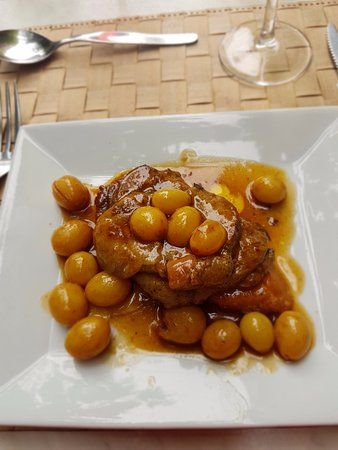 Maurens-Scopont, Frankrijk: Fois-Gras Mi-Cuit avec Raisins