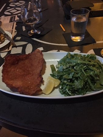 Fairfax County, Βιρτζίνια: Pork Schnitzel with Argula Salad