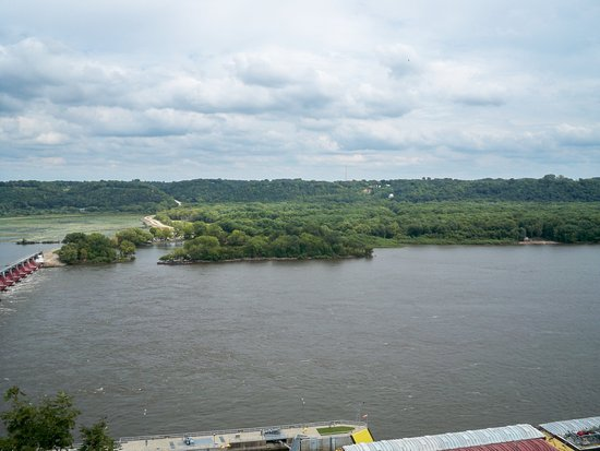 Dubuque, IA: Mighty Mississippi