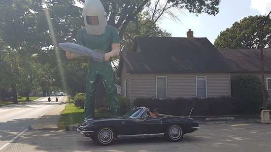Wilmington, IL: 1964 Corvette time period correct