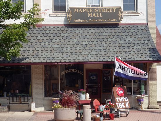 maple street mall