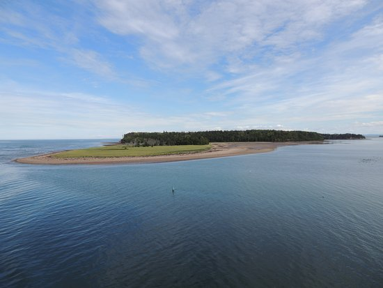 Elmwood Heritage Inn: Wood Islands ferry to Nova Scotia. 50 minutes from Elmwood
