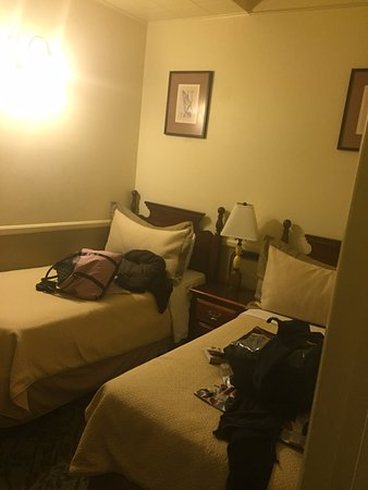 Hotel St. Michael: Second room of family suite w/ twin beds