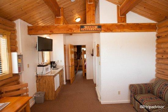 Zion Ponderosa Ranch Resort: Cabin Suite - Interior