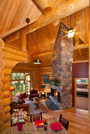 Alpine Village Cabin Resort   Jasper: Executive One Bedroom Cabin