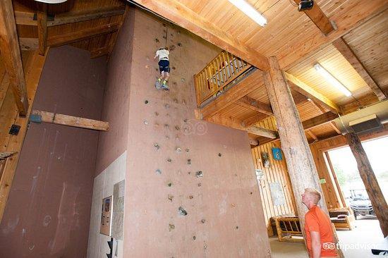 Zion Ponderosa Ranch Resort: Recreation Barn - Interior - Climbing Wall