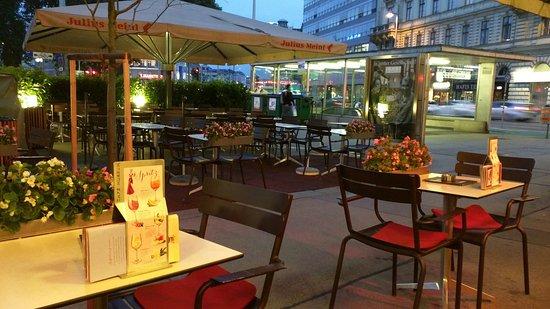 Cafe Museum: IMG_20160906_193807_large.jpg