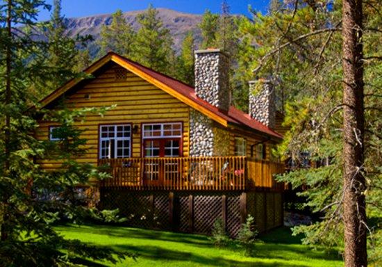 Alpine Village Cabin Resort - Jasper: Deluxe Bedroom Suites
