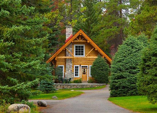 Alpine Village Cabin Resort - Jasper (Canada) - Hotel ...