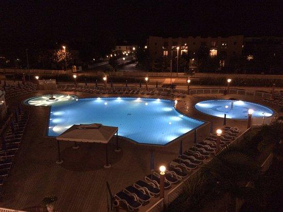 Hotel Olympus : Pool bei Nacht
