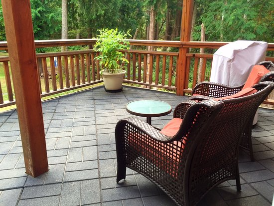The Savary Island Resort: Luxury Suite - Private Patio with BBQ