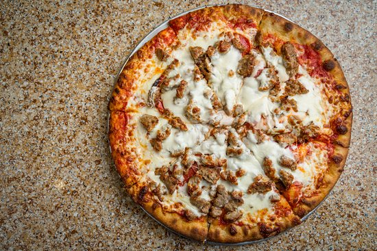 Mayetta, KS: Exciting Pizzas in Varying Sizes