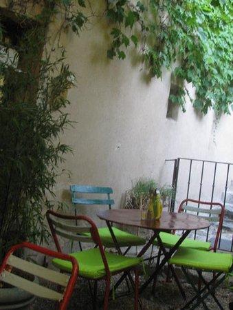 La maison de solveig saignon restaurant avis num ro de - La maison de la place saignon ...