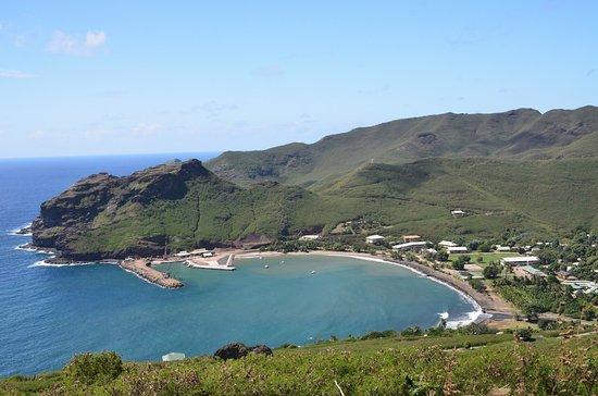 Ua Pou, Polinésia Francesa: Vue sur la baie (la pension est en arrière-plan)