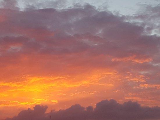 Kinbane Farmhouse B&B: Sunset