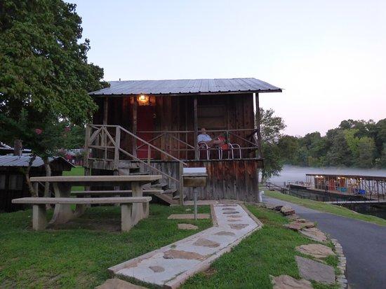 Lindsey's Resort: Cabin 2