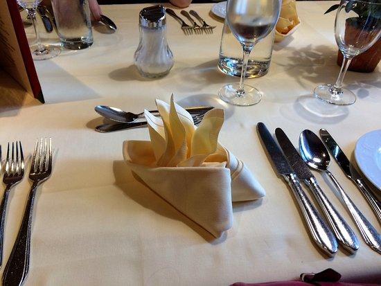 Ferienhotel Kaltschmid: Evening meal table service