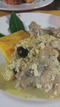 La Vecchia Hosteria: Kaninchen in Weißwein mit Oliven