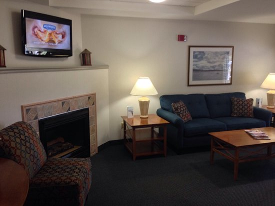 Ramada Saco/Old Orchard Beach Area: Lounge/Business Center