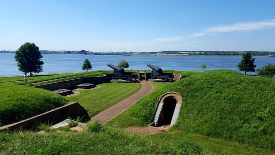 Fort McHenry National Monument: 20160824_103638_large.jpg