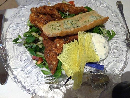 Hotel Central: Delicious chicken salad