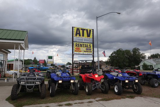 Panguitch, UT: American ATV Rentals has a range of ATVs and dirt bikes for rent