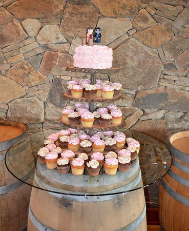 Southold, NY: Cupcake Tier for Wedding