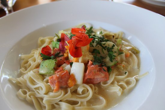 Sooke Harbour House : seafood linguini